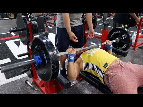 ZOO CULTURE GYM | BENCH PRESS PR 225 FOR 10 | NEW PERSONAL RECORD