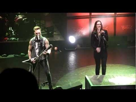 Bullet For My Valentine: Her Voice Resides, GuitarSolo, Dirty Little Secret(with Lzzy Hale)- 15/3/13