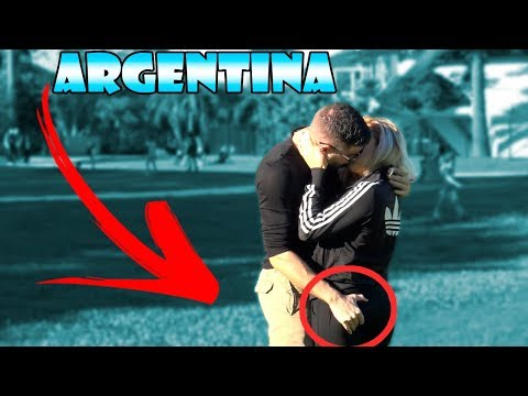Kissing Prank - ARGENTINA EDITION