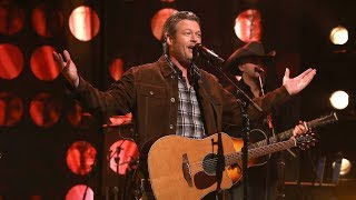Blake Shelton Performs 39 I 39 Ll Name The Dogs 39