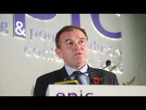 Farming Minister George Eustice attempts to calm Brexit labour fears in egg sector