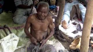 Mto Wa Mbu Makonde Woodcarvers Pt 2.m4v
