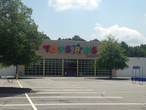 Abandoned Toys R Us In Winston-Salem NC