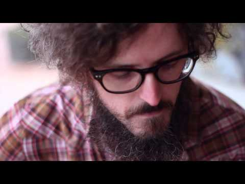 Ian Fitzgerald plays The Old Guitar -