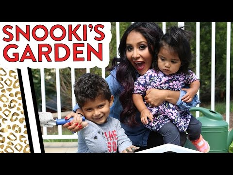 "Nicole ""Snooki"" Gardens with Lorenzo & Giovanna!"