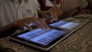 Tinhte.vn - Chơi nhạc trên iPad tại cafe Tinhte