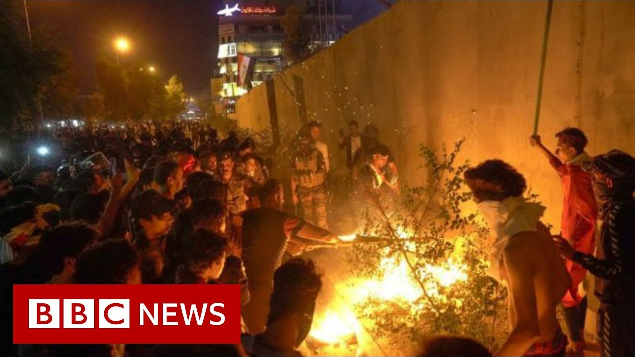 Iraq unrest: Protesters attack Iranian consulate in Karbala - BBC News
