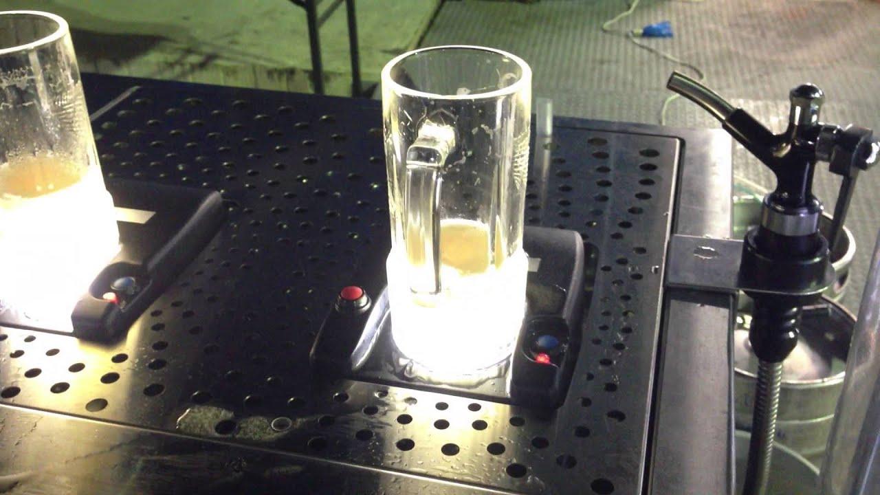 「トルネード・ディスペンサー」ビールを下から注ぐサーバー ...