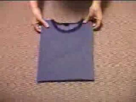 Easy way to fold t shirt youtube for Japanese way to fold shirts