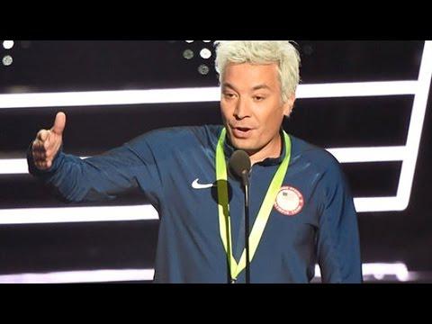 Jimmy Fallon Hilariously Impersonates Ryan Lochte At 2016 MTV VMAs