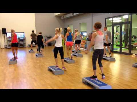 Nina Richter: Birthday Step with the best crew! Fitness First Frankfurt