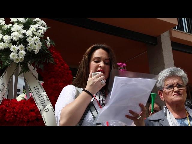 Más de 20 coches funerarias se manifiestan contra las salas de velatorio municipales