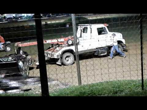 Modified feature  at Paragon speedway ....paragon indiana