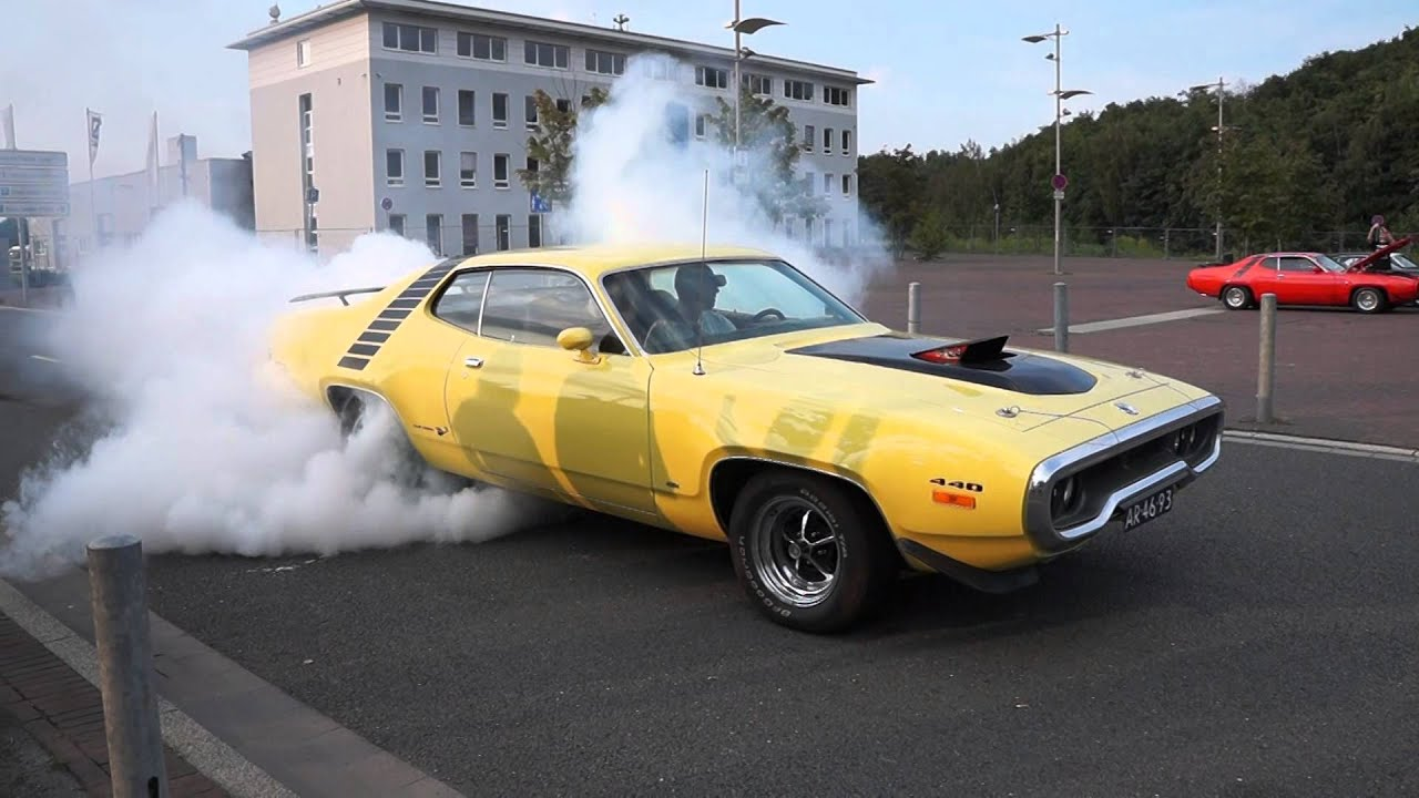 Counting Cars Wallpaper 72 Plymouth Roadrunner Burnout Youtube