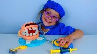 Мистер Зубастик лечит зубы у стоматолога. Пластилин Плей До. Весёлое развивающее видео для детей(Мистер Зубастик пришёл к стоматологу лечить зубы, но к сожалению один зуб нужно вырвать. Прежде Ева Чистит..., 2016-07-31T07:13:33.000Z)