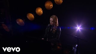 Freya Ridings - Lost Without You (Live On The Late Late Show With James Corden)