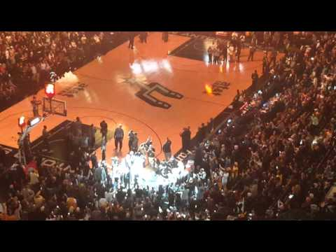 Kobe being introduced one last time in San Antonio #GoSpursGo