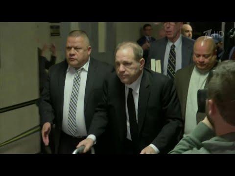 Голливудский продюсер Харви Вайнштейн признан виновным в домогательствах и изнасиловании.