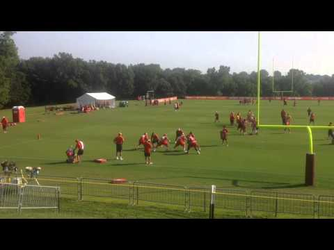 Chiefs LT Eric Fisher Uses A Swim Move