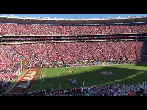 Donald Trump given huge ovation at Alabama/LSU
