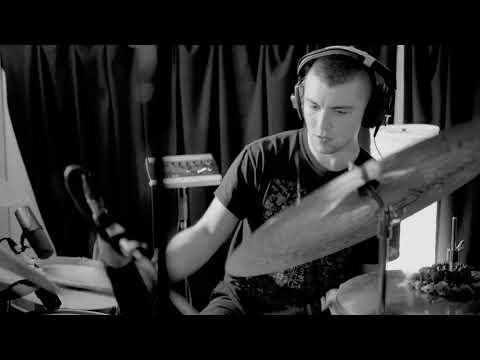 "Graham Costello's STRATA - ""FLY"" Mp3"
