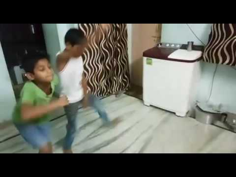 Excellent dance performance by small kids