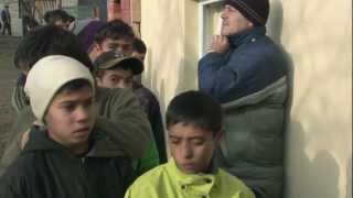Согрей Ребенка. Старт.(В Закарпатье дети встречают зиму босиком. По прогнозам морозы придут в этот регион сразу после Нового года,..., 2012-12-26T14:46:10.000Z)