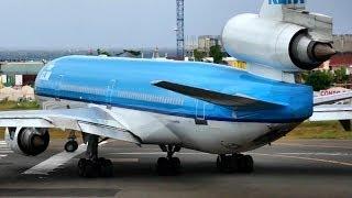 McDonnell Douglas MD-11 Climbing like a Rocket from Princess Juliana, St Maarten
