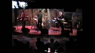 1998年に行った学生時代のライブです。音楽好きのクラスメイト3人でユニ...