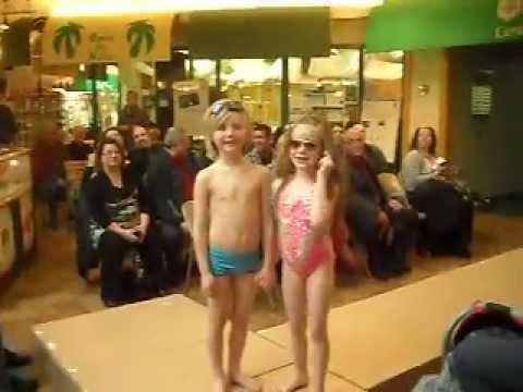 Fabuleux Jean-Gilles 6 ans Défilé Giraldof en maillot de bain !! Gagnant  MW43