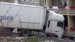 40 Tonner rollt führerlos in Wohnhaus [Gera 16.02.2016]