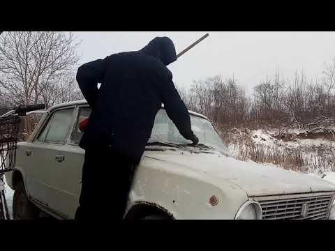 Завёл ВАЗ 2101 после месяца простоя. Зимний дрифт на месте:)))