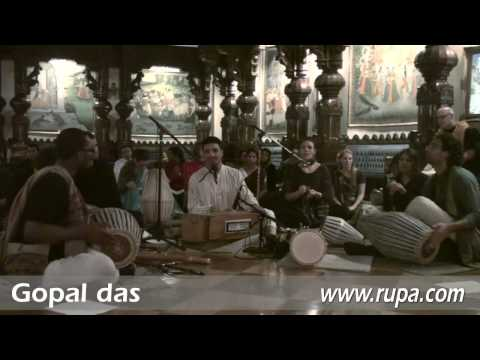 Bhajan - New Year's Eve 2010 - Gopal das - 2/22