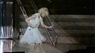 Sylvie Vartan SLC twist medley live 1981