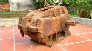 Restoration of very rusty construction crane reducer gearbox | Reuse the 3-speed gearbox