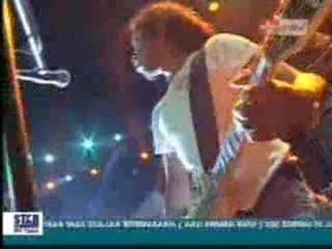 Iwan Fals - Sumbang (Live)