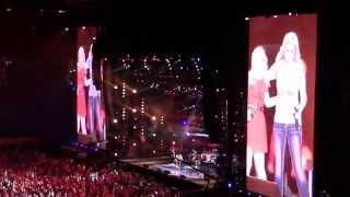 """2013 CMAfest Kelly Clarkson ft.Trisha Yearwood """"Ain"""