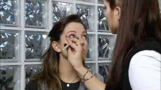 Utilizzare il fondotinta correttore per eliminare i rossori sul viso? Facile con Salvalapelle!