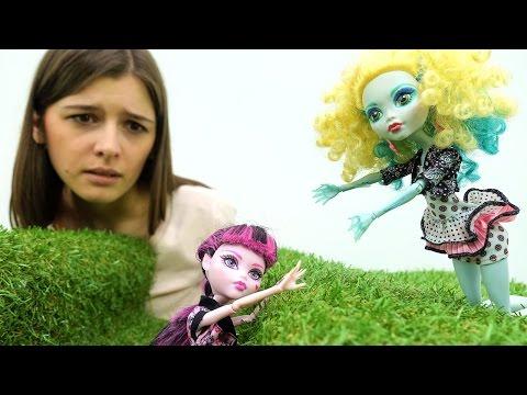Видео куклы: Монстер Хай куклы в кукольном сериале Жизнь за кадром (иногда стоп моушен) - смотреть