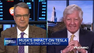 NYT's Jim Stewart: Elon Musk's behavior will hurt consumer confidence