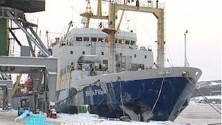 Траулер «Янтарный» доставил в Мурманск заполярный деликатес – 3350 тонн мойвы(, 2015-02-07T06:31:51.000Z)
