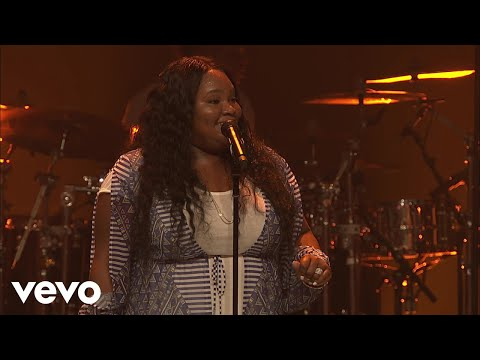 Tasha Cobbs Leonard - Put A Praise On It (Intro/Live At Passion City Church)