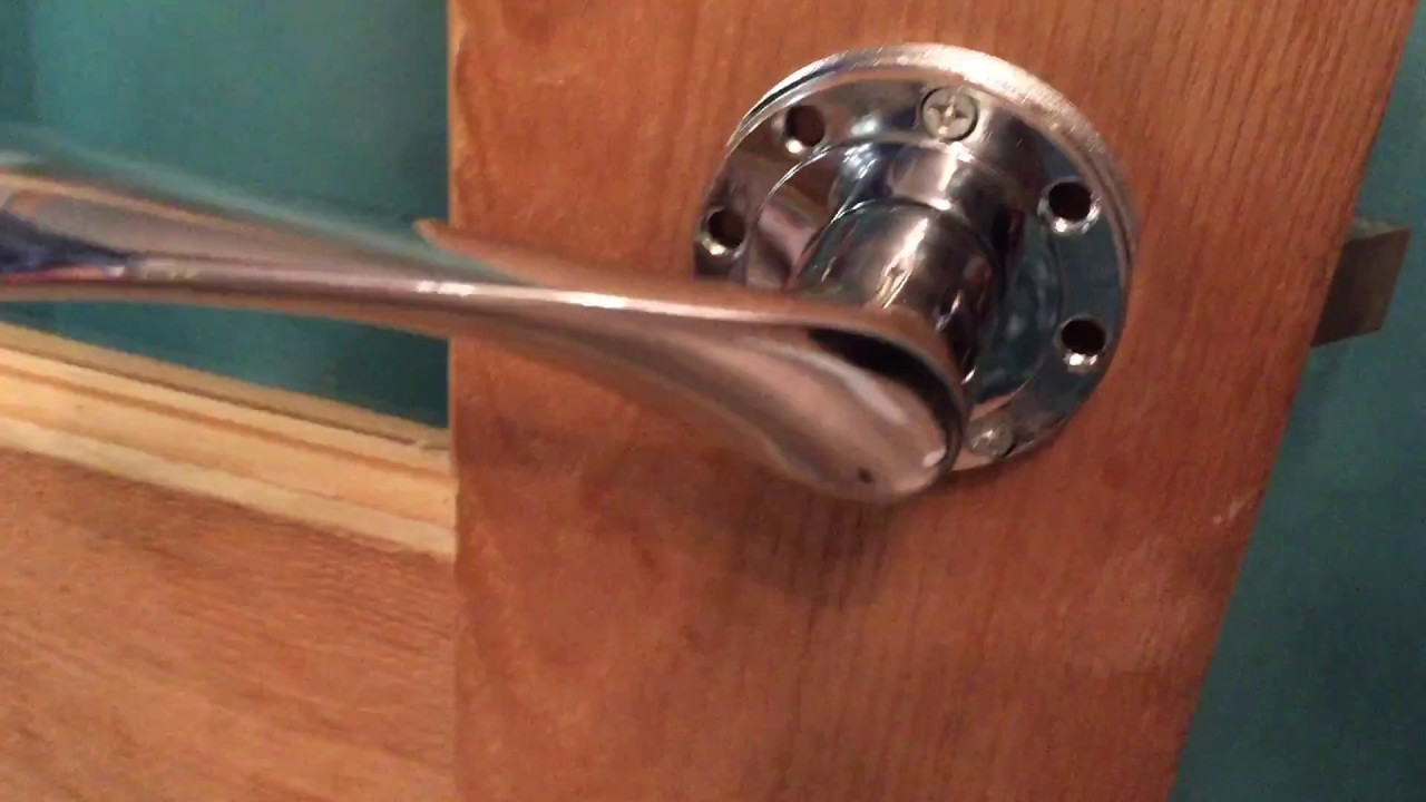 How to change a door handle - YouTube