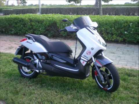 yamaha xmax 250i white competition youtube. Black Bedroom Furniture Sets. Home Design Ideas