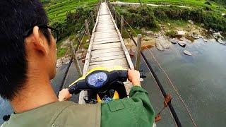 CẦU TREO KINH DỊ (Crazy Suspension Bridge)