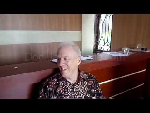 JATENGTIME - Pengobatan Gratis Relawan Amerika Di Desa Tugu Sayung Demak