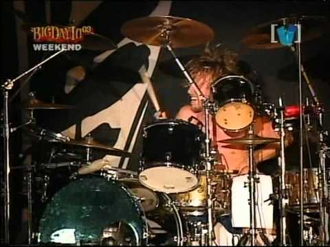 cb2089171c89b8 Foo Fighters - Low (live) - YouTube