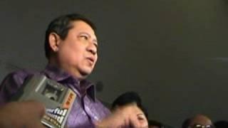 Video Presiden SBY nonton film Laskar Pelangi, KabariNews.com-Jembatan Informasi Indonesia Amerika download MP3, 3GP, MP4, WEBM, AVI, FLV Oktober 2018