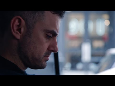 FIGURING OUT WHO YOU ARE | DailyVee 217