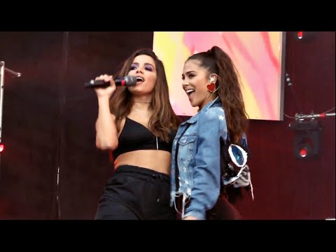 Anitta e Greeicy - Jacuzzi Megaland 2018  Colombia PRIMEIRA PERFORMANCE JUNTAS